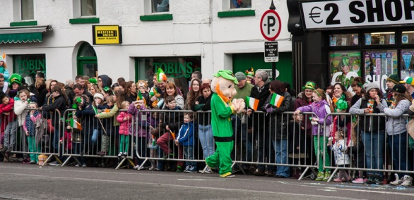 Leprechaun entertains the crowds