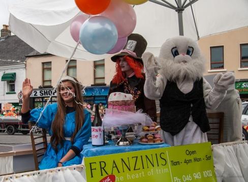 Franzinis invite Alice and friends to tea.